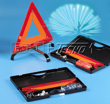 warning triangle with asymetric 12v